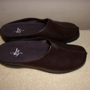 Life Stride Ladies Leather Slides - Size 9